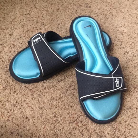 21af4c8d54f4 Nike Shoes